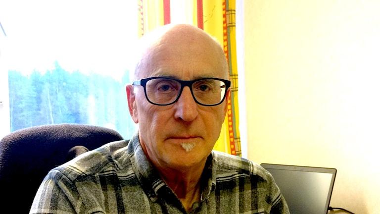 Kenneth Karlsson, har på länsstyrelsens uppdrag inventerat naturreservat.