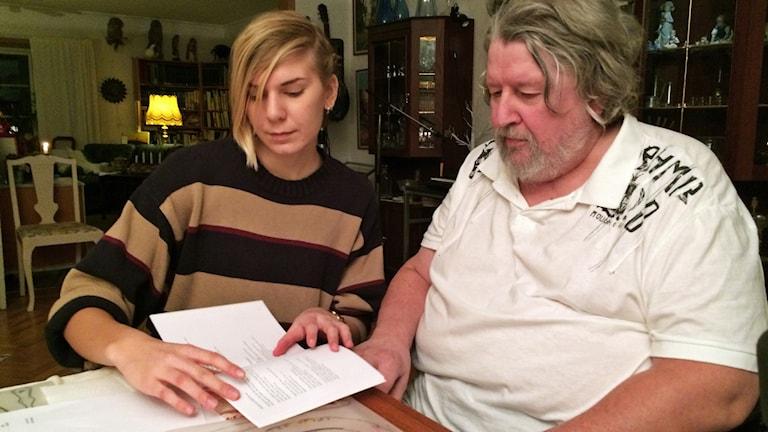 Assistenten Frida Grahn och Tommy Eriksson.