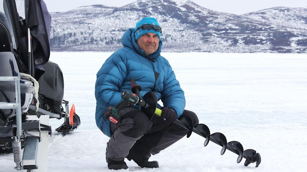 Dan Mella på sjön Torneträsk.