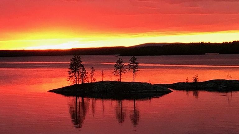 Veckans bild: midnattssol över Jokkmokk