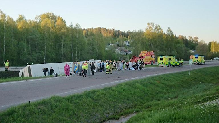 Buss välte på E4:an strax norr om Sundsvall.