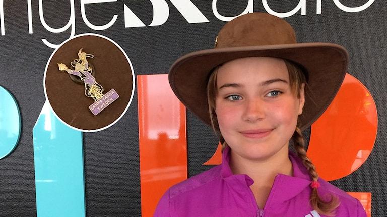 11-årig tjej i guldvaskarhatt