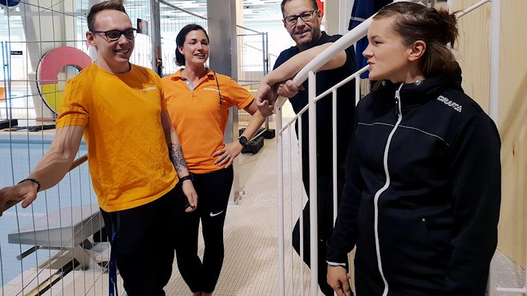 David Eriksson, Emma Lindberg, Hans Fernström och Sofi Unga Jernelöf jobbar i Kiruna simhall, som ska renoveras.