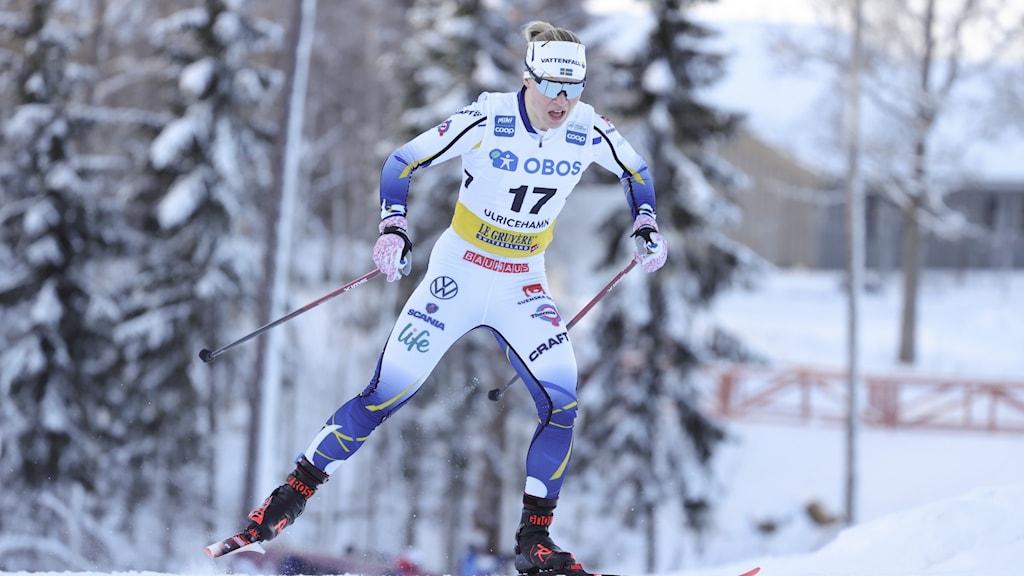 Jonna Sundling under damernas sprintkval i världscupen i Ulricehamn i början av februari.