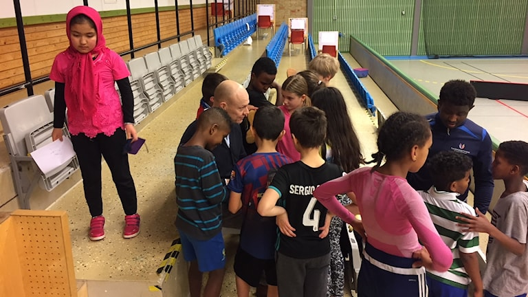 Under invigningen fick också barnen besök av det före detta hockeyproffset Mats Sundin