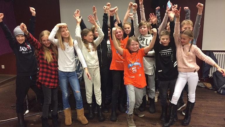 Öjeskolan från Järvsö vann första kvartsfinalen i Vi i femman.