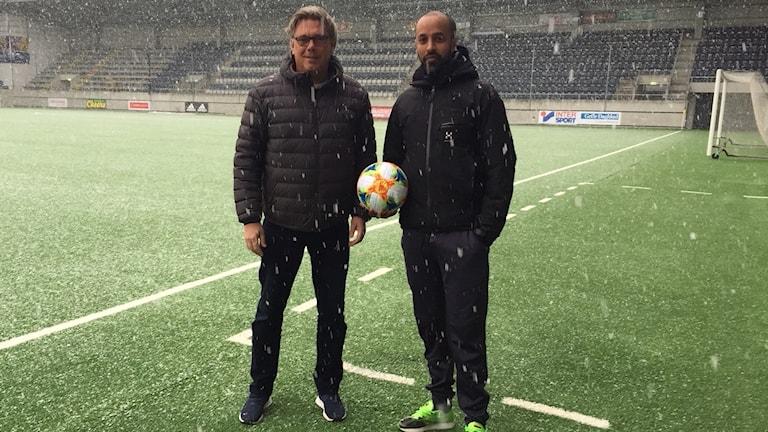 Gefle IF´s Pelle Olsson och Sandviken´s Marcus Bengtsson.