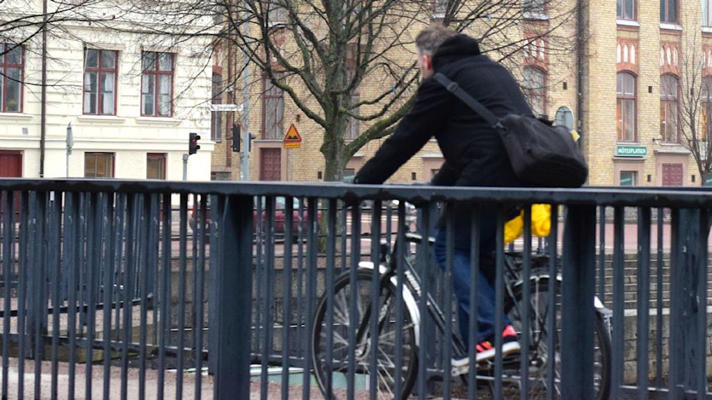 Cyklist i Gävle. Foto: Anna-Karin Lampou/Sveriges Radio