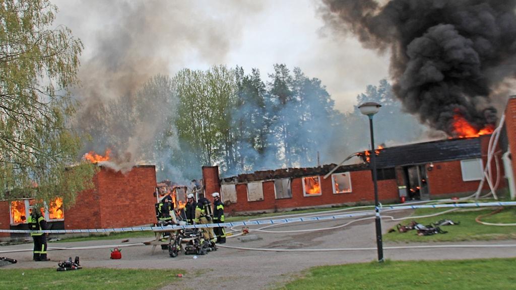 Det blev kraftig rökutveckling i samband med branden på asylboendet i Vågbro i Söderhamn.
