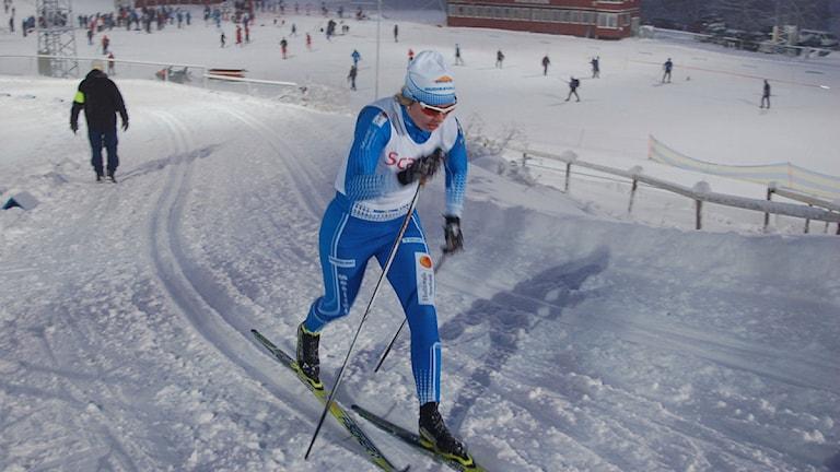 Evelina Settlin, tävlandes för Hudiksvalls IF gör sin första seniorlandslagstävling. Foto: AP / evelinasettlin.se
