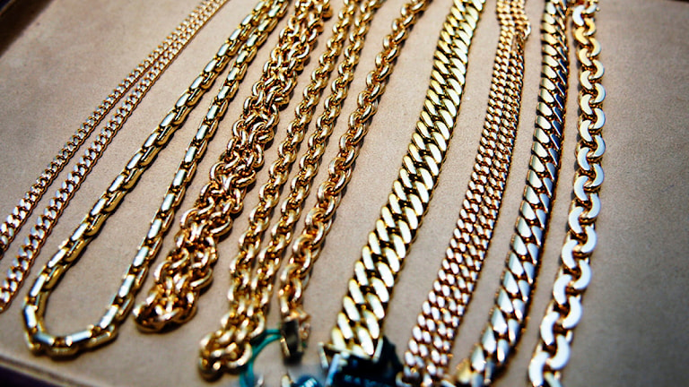 Guldhalsband, ett eftertraktat byte. Foto: Scanpix