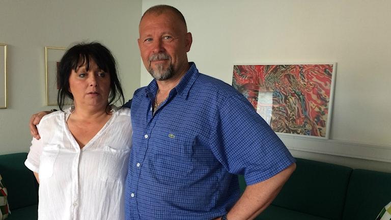 Lotta Åström och Freddie Ahlin jobbar heltid med drogförebyggande arbete riktat mot unga.