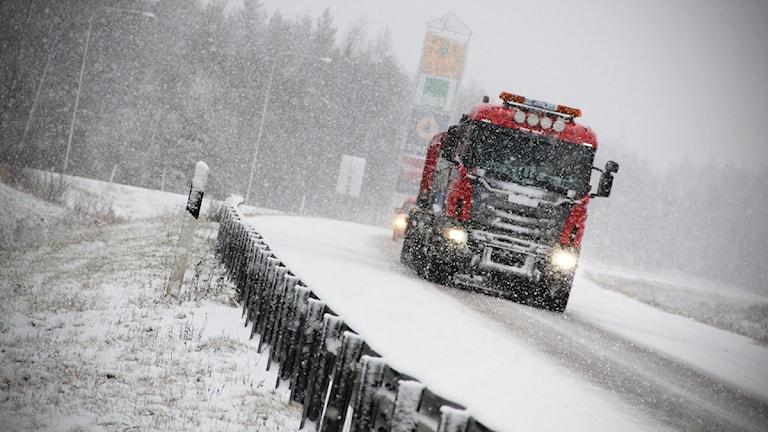 Så här såg det ut på E4 vid Gävle Bro på måndagsförmiddagen. Foto: Magnus Hansson/Sveriges Radio