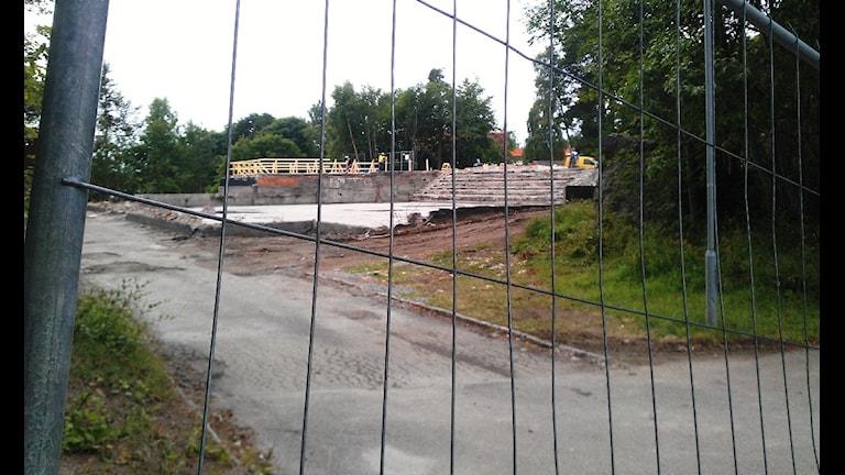 Ruinerna efter idrotts- och simhallen i Ljusne. Foto: Agneta Sundberg/Sveriges Radio