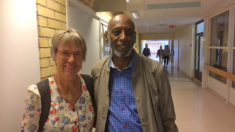 Fikru Maru tillsammans med Margareta Sidenvall som kämpade för hans frigivning via Aktionsgruppen för Fikru Marus rättvisa.