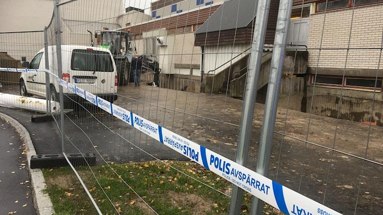 Polisen har spärrat av olycksplatsen i Bollnäs.