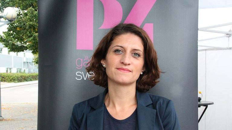 Gin Akgul Hajo (V) debatterar i Gävle. Foto: Maria Zander/Sveriges Radio