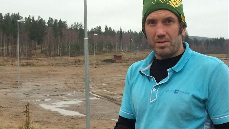 Niclas Bärj längtar efter kallare väder och snö. Foto: Agneta Sundberg/Sveriges Radio
