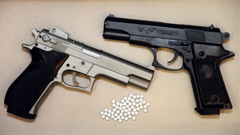 Eleven drog fram en soft air gun och hotade läraren. Foto: TT