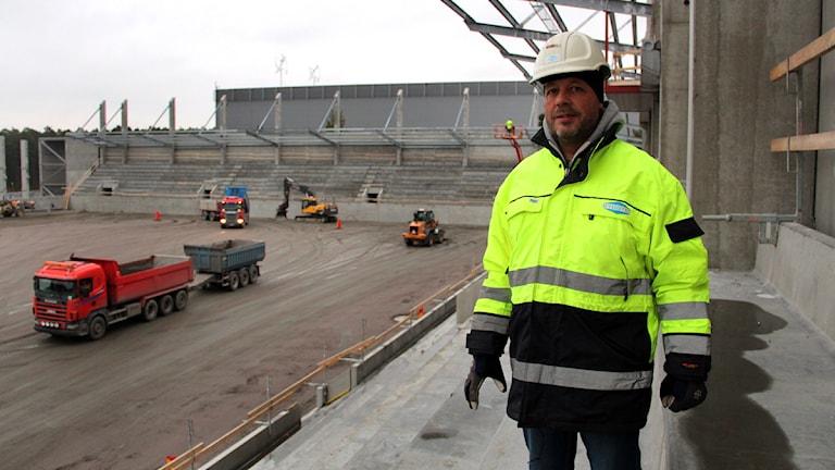 Tommy Rickardt är platschef på bygget av den nya arenan. Foto: Martin Svensson / Sveriges Radio