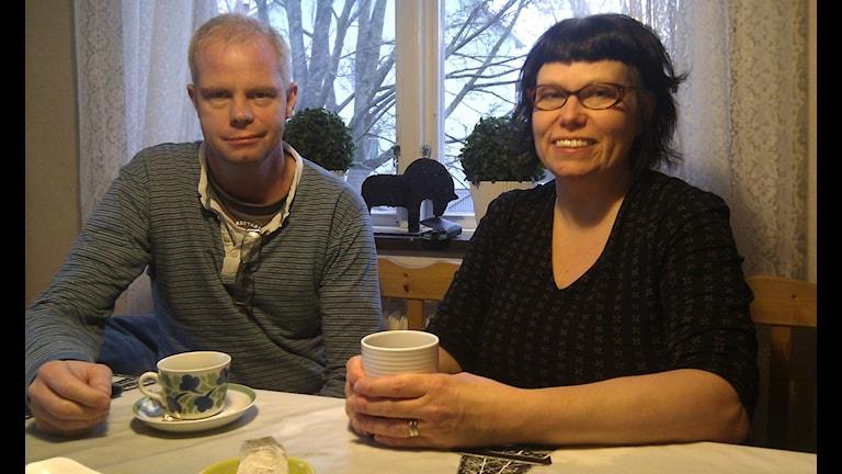 Per och Anette Helgesson, två av grundarna till Fikasällskapet i Edsbyn