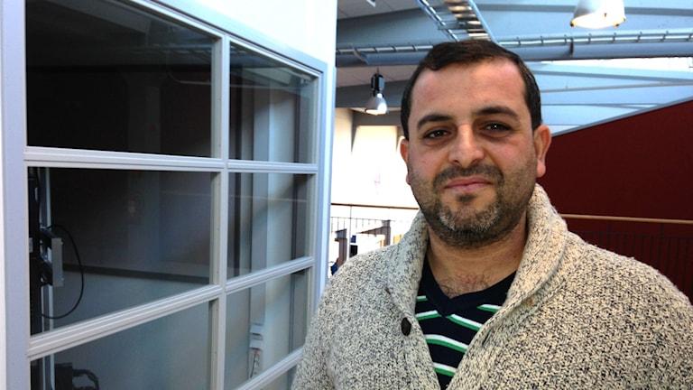 Yousef Alkamel, en av de 17 kursdeltagarna som var på på plats. Foto: Julia Burman Görans/Sveriges Radio