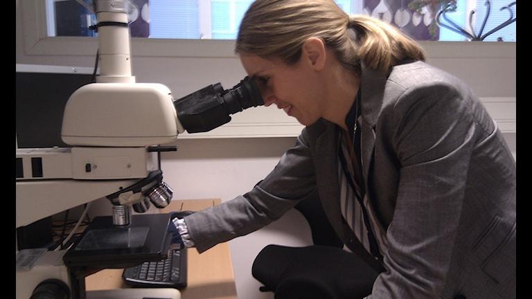 Katarina Persson en av de forskare på Sandvik som forskar kring stål.