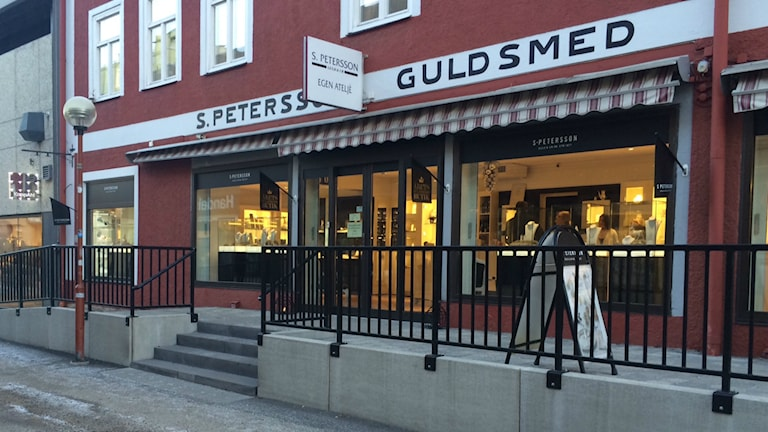 Guldsmedsbutik i Bollnäs får årets tillgänglighetspris av DHR i Gävleborg. Foto: Agneta Sundberg/Sveriges Radio
