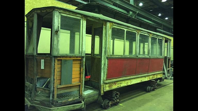 En av de äldre spårvagnarna som nu ska renoveras. Foto: Oliver Bergman/Sveriges Radio