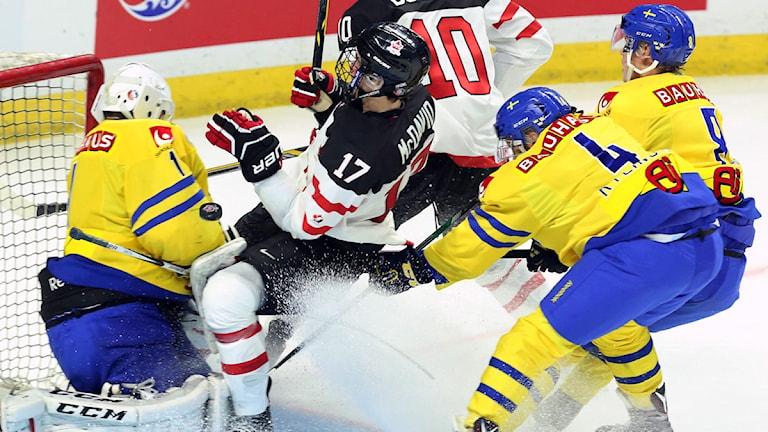Bilden är från juniorkronornas förlust mot Kanada häromdagen. Foto: TT