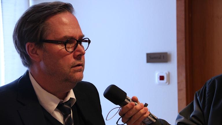 Försvarsadvokat Carl Lindström. Foto: Christian Ploog/Sveriges Radio