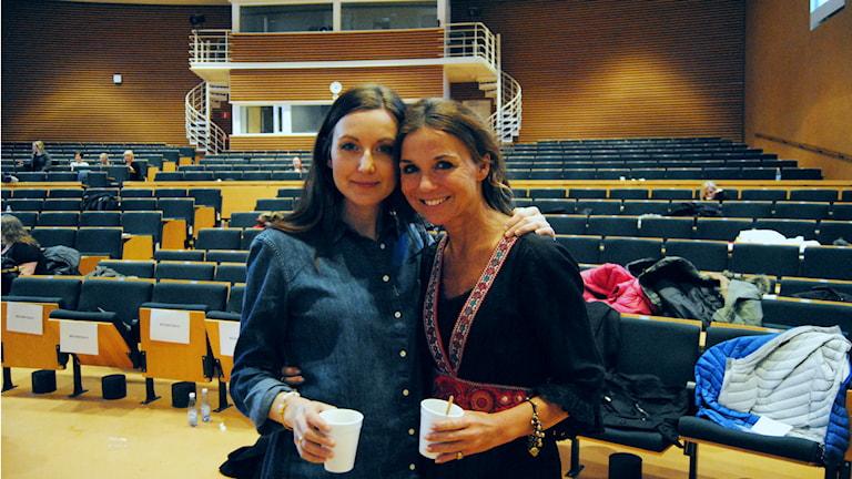 Sanna Lundell, programledare och bloggare och Annika Jankell, programledare och journalist. Foto: Micaela Toresso/Sveriges Radio