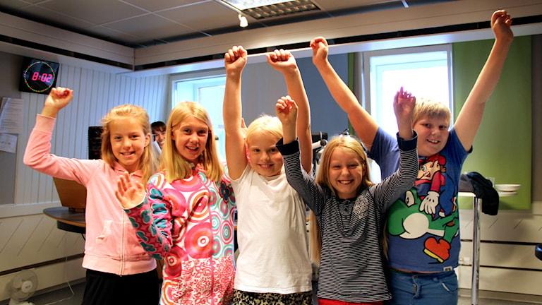 Barnpanelen bestående av Ronja Andersson, Julia Söderström, Karin Rapp, Nike Enfält och Wille Bergström. Foto: Martin Svensson / Sveriges Radio