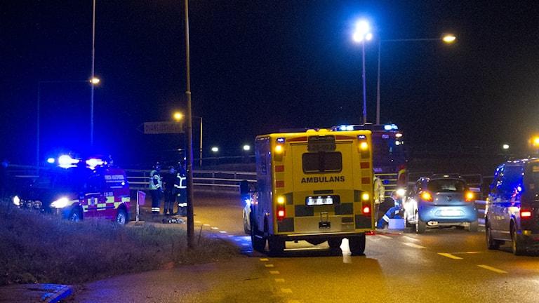 En person skadades allvarligt när en mc kolliderade med en mötande personbil.