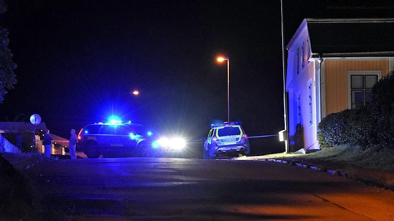 Polisen misstänker mord och mordförsök. Foto: Daniel Sjöholm
