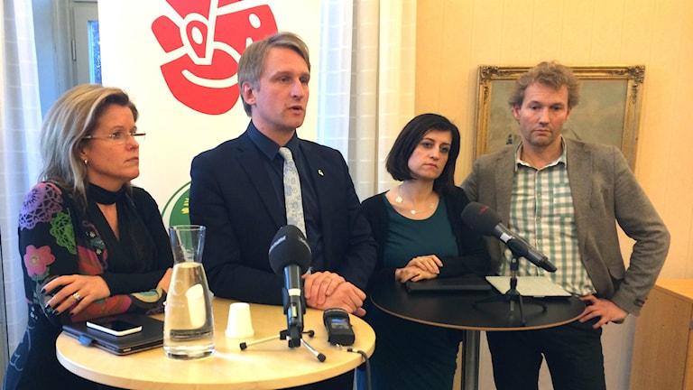Det politiska styret i Gävle kommun S, V och MP meddelar att de nu avgår.