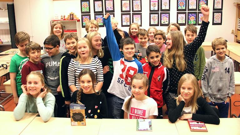 5 B på Vikingaskolan i Gävle är en av klasserna som tävlar i Vi i femman. Foto: Emma Åhlström/Sveriges Radio