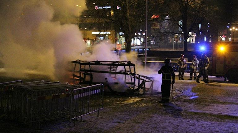 På nyårsdagen sattes lillbocken i brand. Foto: Roger Nilsson
