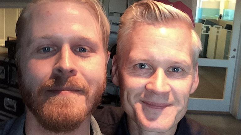 Henrik Fexeus (till höger) utsatte Fredrik Björkman för ett av sina tankeknep. Foto: Sveriges Radio
