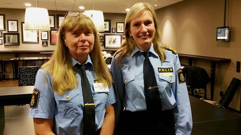 Lena Tysk, chef för utvecklingsenheten, och Carin Götblad, regionpolischef. Foto: Anna Molin/Sveriges Radio
