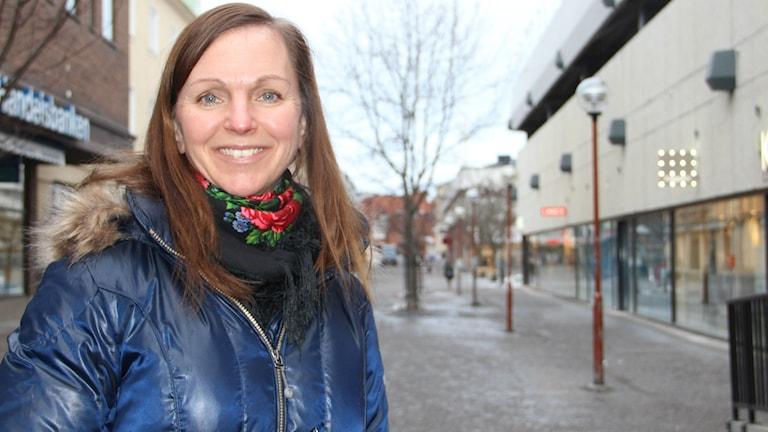 Therese Nilsson på X-trafik vill att fler reser med buss och tåg. Foto: Agneta Sundberg/Sveriges Radio