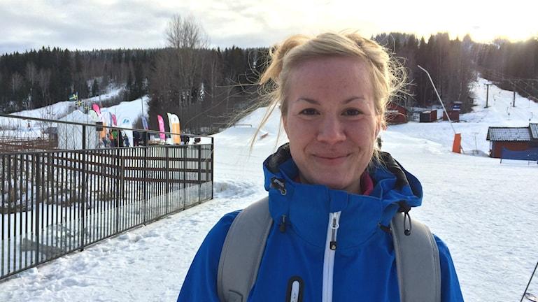 Ellen Ros, sjuksköterskestudent från Uppsala, kom med buss till Kungsberget i dag. Foto: Anna Molin/Sveriges Radio