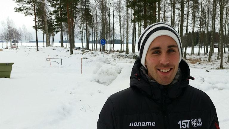 Teknikkunnige Lars Ljung fick in en fot hos SOK redan under sin elitkarriär, nu är han videoanalytiker åt fem OS-sporter.
