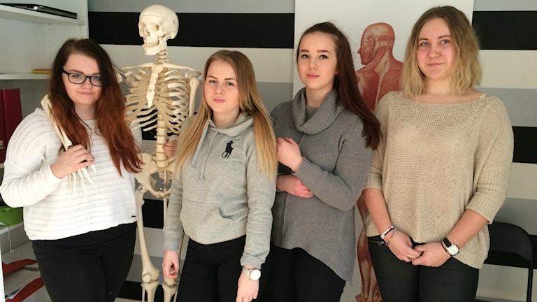 Vårdeleverna Emma Eriksson, Lovisa Hedman, Amanda Boström och Lisa Öst.