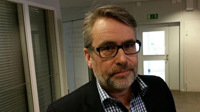 Vice chefsåklagare Ulf Back säger att Seko-utredningen går bra nu, men haltade inledningsvis då polisen saknade personal. Något som riskerar att försvåra utredningen.