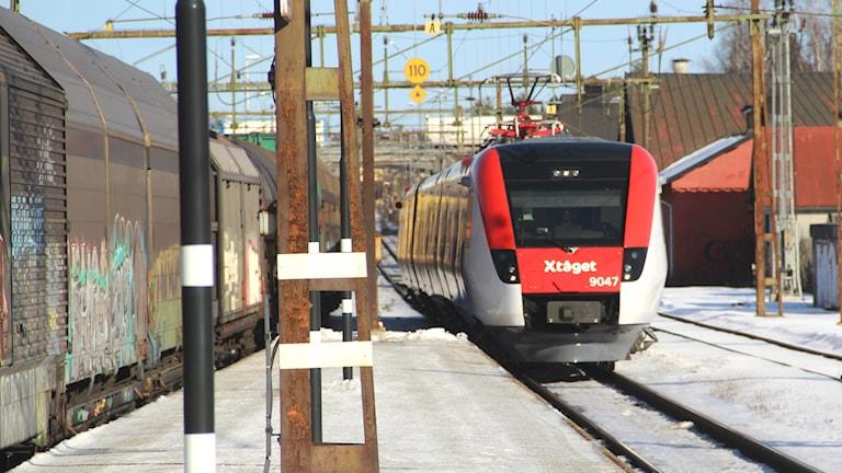X-tåget perrong tågstation reginatåg tåg lok