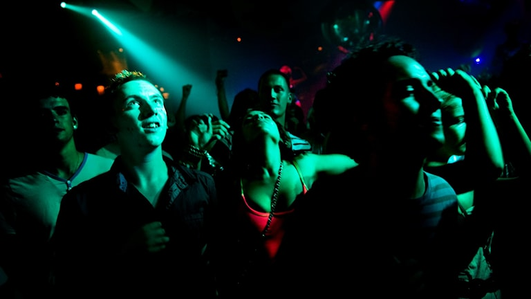 Krogpersonal i Gävle har sett en ny typ av sexuella ofredanden i klubbmiljö.