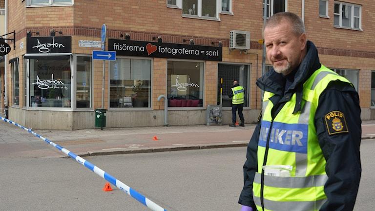 Polisens tekniker Åke Östberg