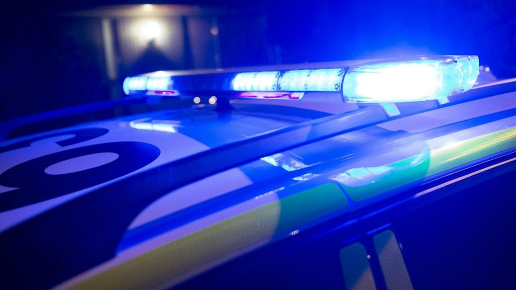 Männen greps av polis vid Dragon Gate vid Mehedeby.
