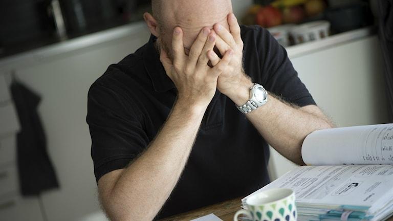 Vissa studenter skjuter upp sina uppgifter så länge att de får ångest.